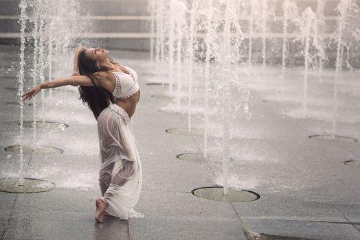 Romina Micheletty, Paris, France, Paris, France, fountains, girl, dancer, dance, mood