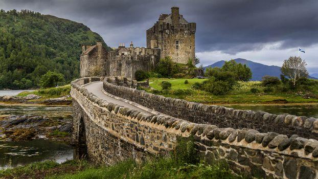 замок, старинный, старина, история, пейзаж, архитектура, водоём, мост, горы, тучи