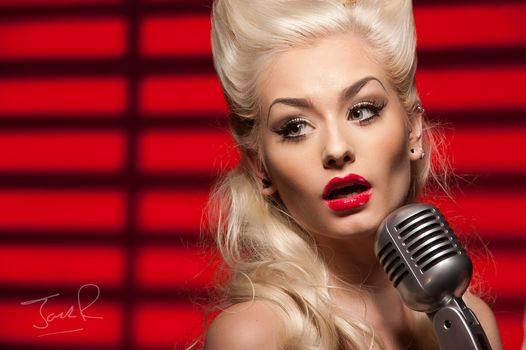 girl, blonde, face, Red lipstick, singer, microphone, Romanie Smith