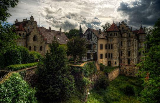Лихтенштейн, Замок Лихтенштайн, где снимался фильм Спящая красавица, Германия, Баден-Вюртемберг