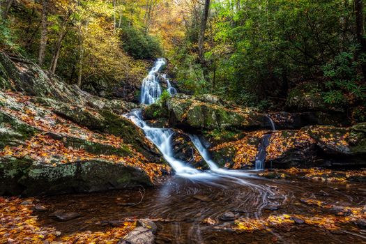 Smoky Mountains National Park, Gray Smoki Mauntins Park, Tennessee, autumn, forest, waterfall, rock, trees, landscape