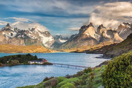Torres-de-Peine, Patagonia, chili, summer, Torres del Paine National Park, the mountains, lake, bridge, house, landscape