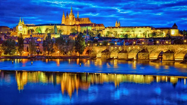 Prague Castle, Karlov Most, Prague, Czech Republic, River Vltava, dusk, night, illyuminatsiya