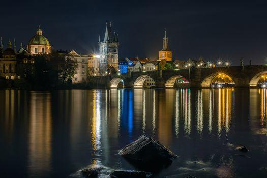 布拉格, 捷克共和国, 布拉格, 捷克Republic.Karlov大多数, 伏尔塔瓦河, 城市, 房子, 桥梁, illyuminatsiya, 夜, 夜晚的城市
