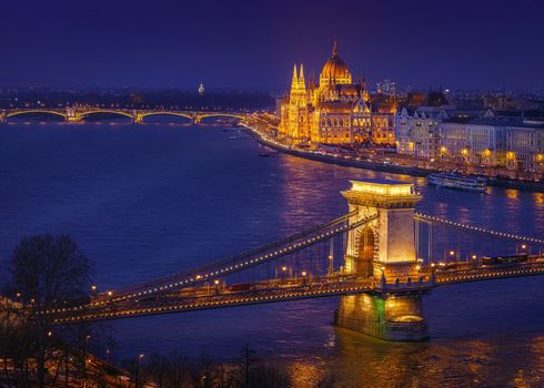 Hungarian Parliament, magnificence and glory in Budapest, Budapest, chain-bridge, Parliament Margretbridge, Hungary, Danube, city, night